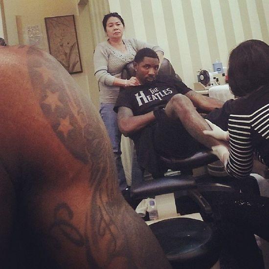 LeBron James recibe un manicure y pedicure para hombres semanalmente.