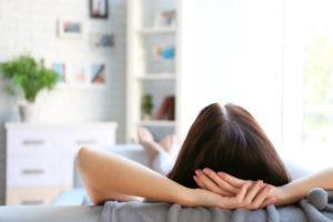 Cómo Relajarse en Casa 22 Maneras Fáciles y Económicas