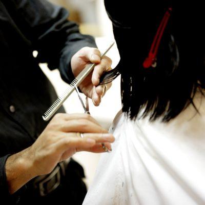 ¿Qué corte de pelo te favorece más según la forma de tu cara?