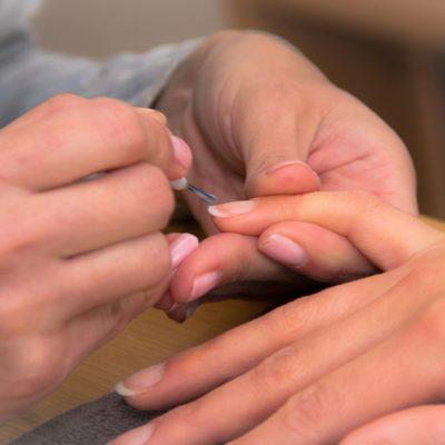Cómo conseguir uñas fuertes, bonitas y grandes