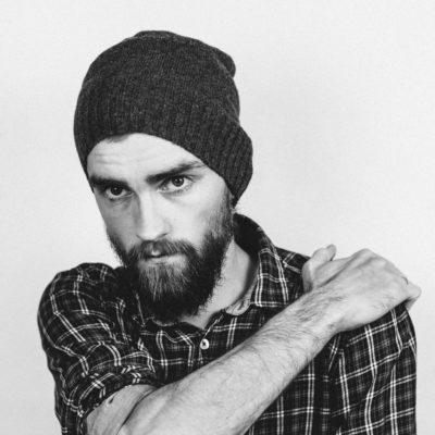 Tendencias 2021 en barbas y cortes de hombre