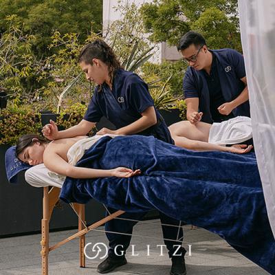 Celebra con un masaje en pareja el Día Internacional del Beso