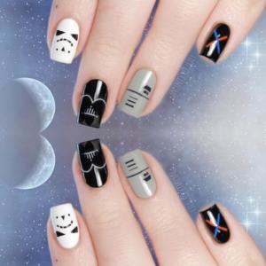 diseño de uñas inspirado en Darth Vader