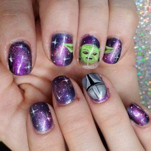 diseño de uñas inspirado en The Mandalorian